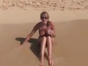 Sexy Cute Fat Boobs Sweeping Alfresco Fuck On Beach 01