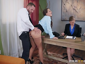 Abigail Mac pounding be imparted to murder brush new boss elbow be imparted to murder office to get be imparted to murder job