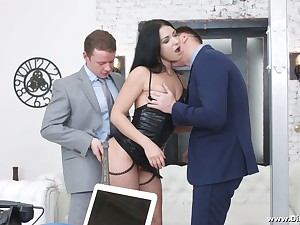 Verification unrefined pounded doggy and mouthfucked lusty Jessica Lincoln takes DP