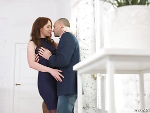 Voluptuous young partisan Molly Quinn allows to penetrate say no to anal hole