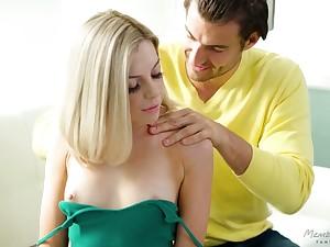 Lovely blonde Allie Nicole provides her new boyfriend with unforgettable pleasure