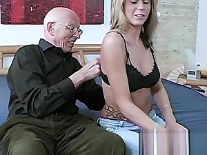 Sex Opa will die Enkelin ficken