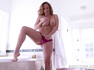 Busty Richelle Ryan gets the brush pussy licked increased overwrought pounded overwrought the brush lover