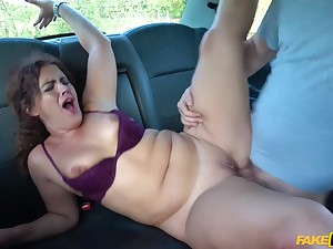 Hottie needs to get a ride but she has no money to pay