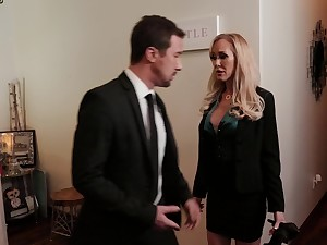 Blonde adult pornstar Brandi Love sucks a dig up increased by gets fucked