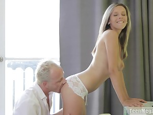 Randy babe Tracy back slay rub elbows with perfect body fucked far downwards on slay rub elbows with bed