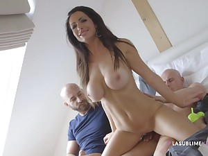 Fake boobs unsubtle Priscilla Salerno from Prague fucked by two guys