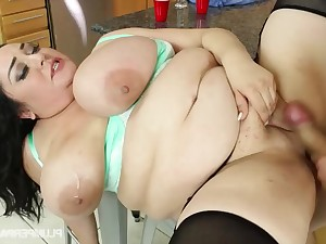 A Day More The Bounce - BBW Julia sands